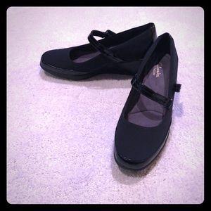 Clark's bendable comfort wedge shoes
